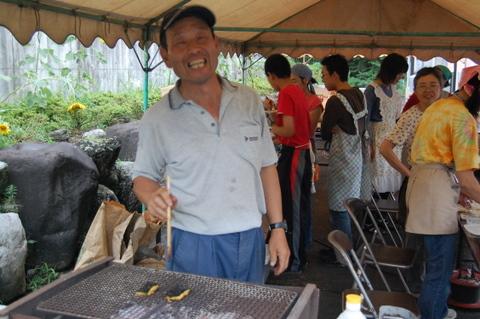 じゅんちゃんのうなぎの蒲焼きは3枚で1kono!朝、まりちゃんが切っていたじゃがいもはこう変身したのでした。