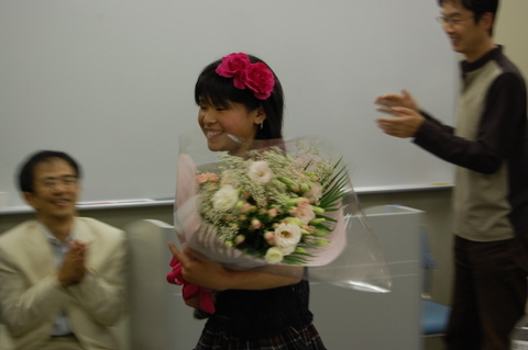 ファミリーの代表としてお花をいただいた日和