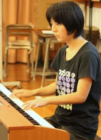 毎月お誕生日会でピアノを弾くえりちゃん