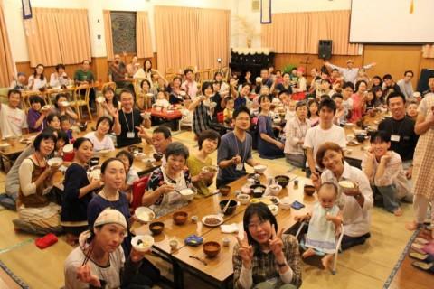 100人家族の食卓