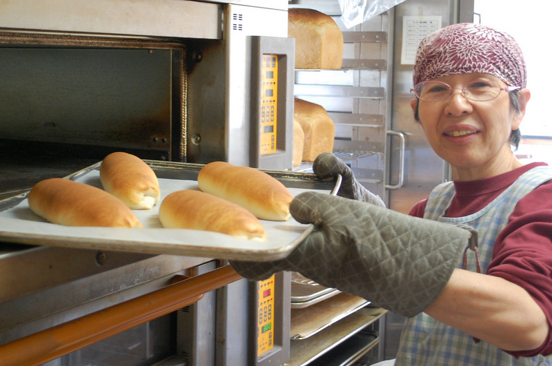 米粉パンを焼くのりちゃん