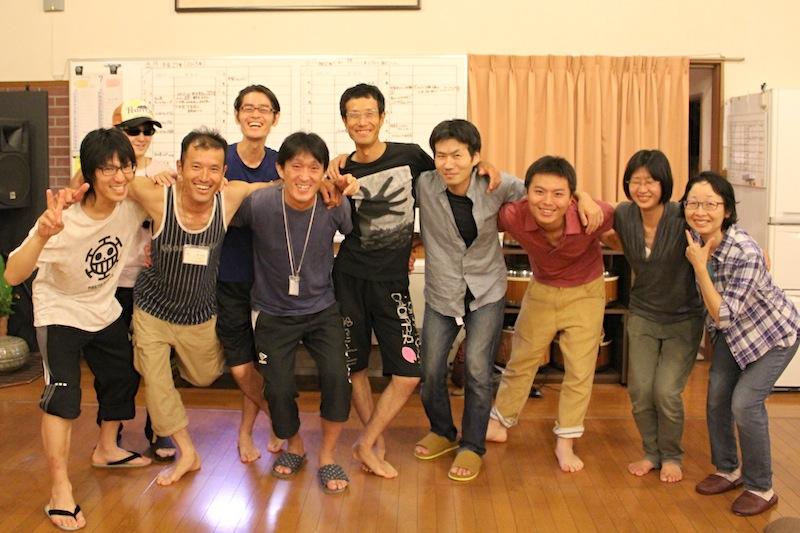 自然療法プログラム卒業生たち(前列左から3人めがみのるん)