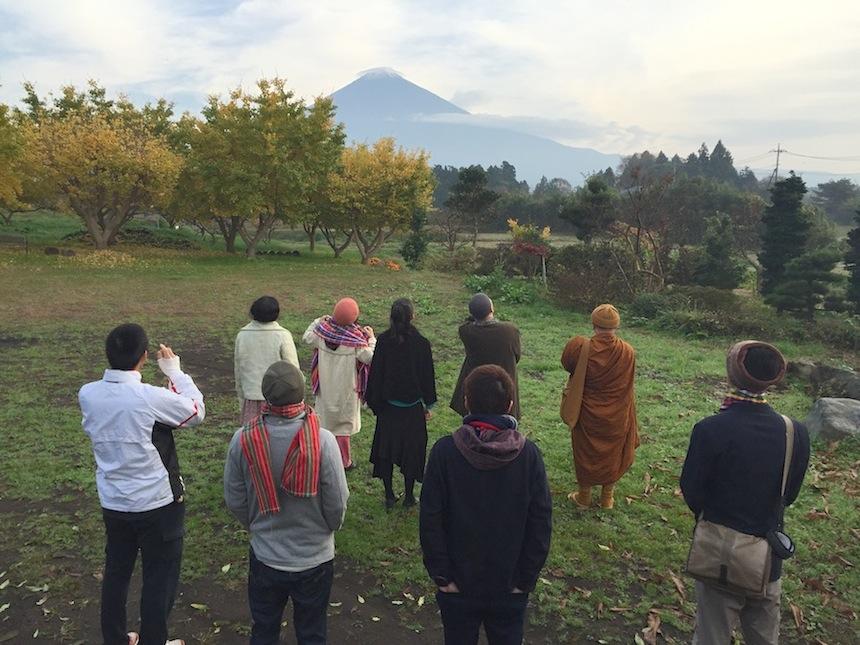 早朝に富士山を見る ー 第9回大人サミットより